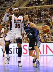 Manu Ginóbili in action with the jersey