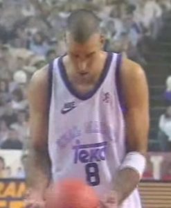 Joe Arlauckas in action with the jersey