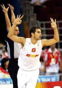 After some injuries during that NBA season Calderón decided to rest for the 2009 Eurobasket. Here in Beijing 2008, his last appearance with Spain in that moment