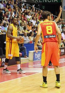 "McCalebb during a 2013 ""Ruta Ñ"" game in Santiago de Compostela"