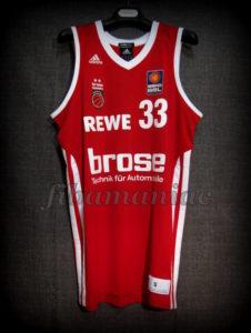 2013 BBL Champions Brose Baskets Bamberg Sponsor Jersey - Front