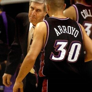 Arroyo played many seasons at the NBA. He averaged 12'6 ppg as the starting point guard of the Utah Jazz at the 2003/2004 season