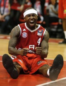 Rice in action with the jersey. Tyrese averaged 15'8 ppg and he was selected for the All-Bundesliga Team