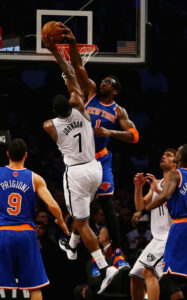 Stoudemire in action with the jersey. The injures didn't allow Amare to be the beast of always but the Knicks reached the second place in the East during the regular season