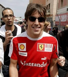 Fernando Alonso wearing a similar item